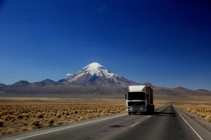 Bolivia - Itinerary La Paz-Sajama-Coipasa 039 / On the road to Sajama