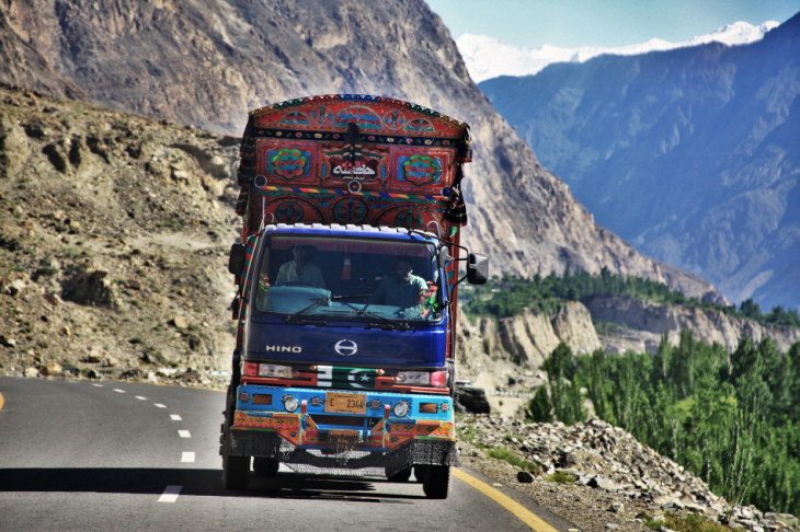 Pakistan - Hogar valley 045 - Road to Gilgit
