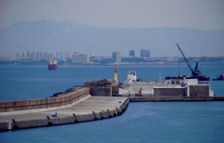 Algeria - Algiers 001 - The port