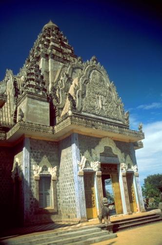 Central Cambodia 033 - Kompong Cham area - Phnom Sri