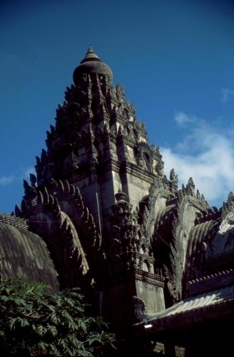 Central Cambodia 036 - Kompong Cham area - Phnom Sri
