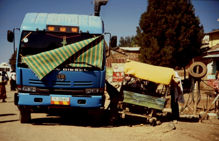 Ethiopia 090 - Debark