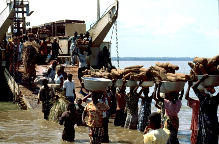 Ghana - Volta 033 - Yapei Queen