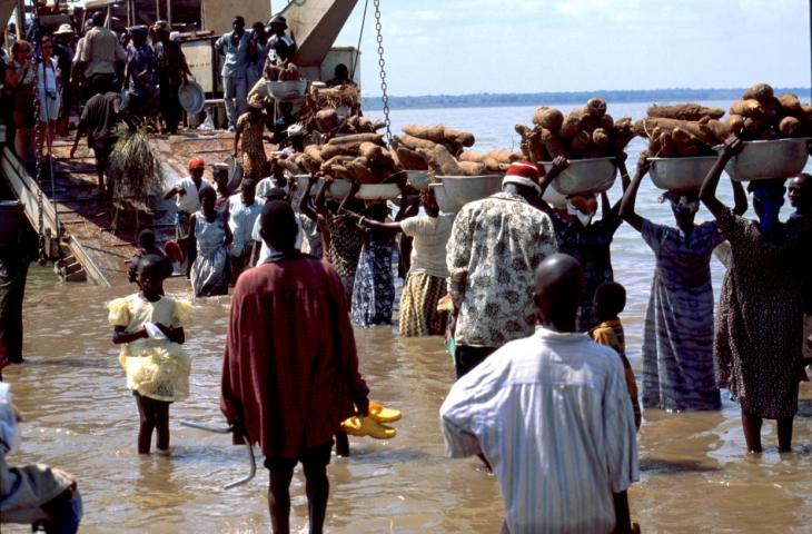 Ghana - Volta 034 - Yapei Queen
