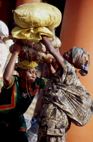 Ghana - Volta 077 - Yapei Queen