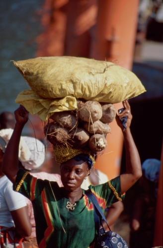 Ghana - Volta 078 - Yapei Queen