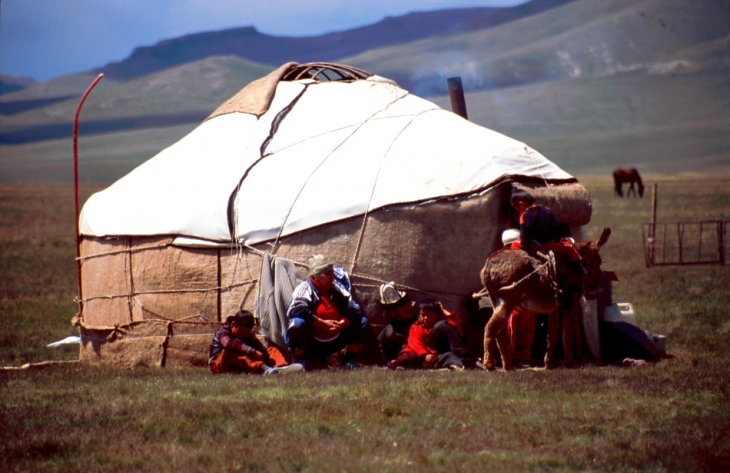 Kyrghystan - Son Kol 53
