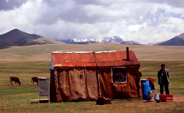 Kyrghystan - Son Kol 67