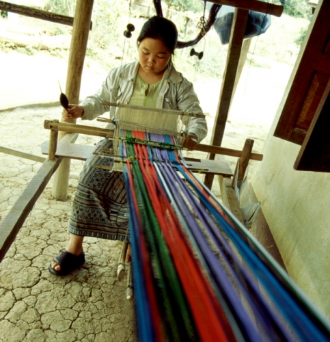 Laos - Pak Ou 13