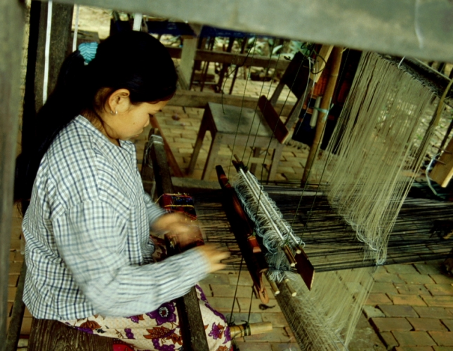 Laos - Pak Ou 16