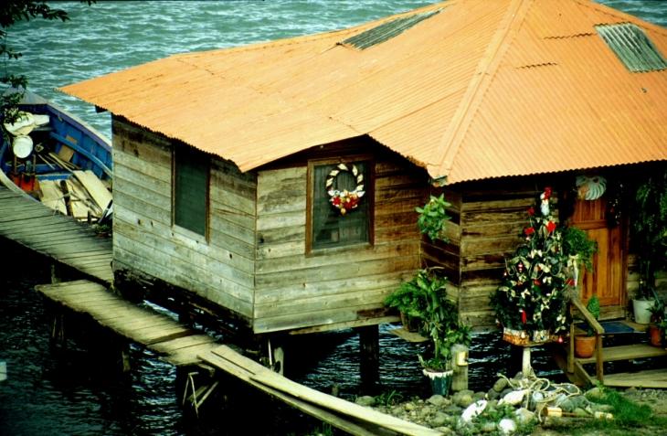 Guatemala - Rio Dulce 012 - Fronteras