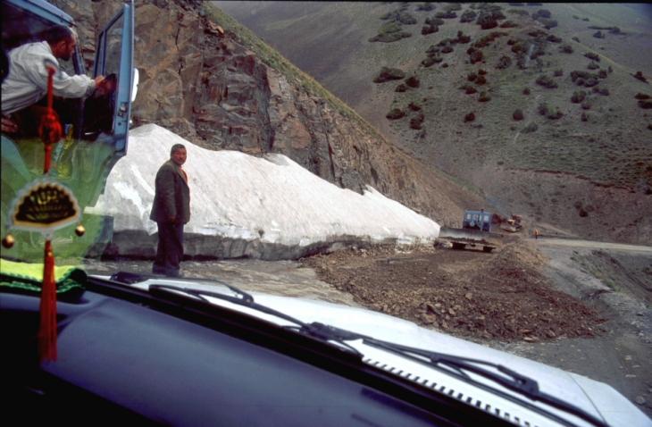 Tajikistan 047 - On the road to Istaravshan
