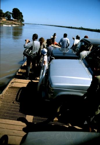 Madagascar 13 - Tsiribihina river crossing